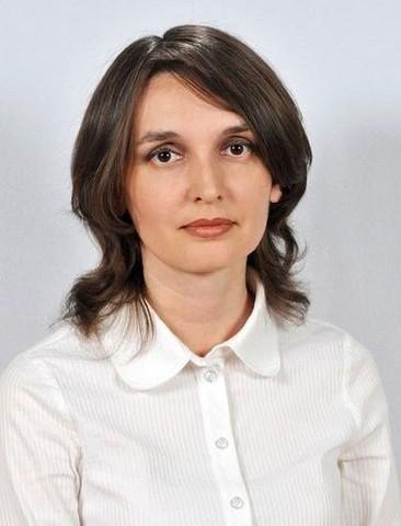 Митина<br>Евгения Алексанлровна -<br>учитель географии