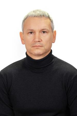 Комаров Владислав Владимирович - учитель физкультуры